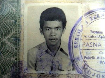 Mbah Surip pernah sekolah di Sekolah Teknik Mojokerto Jurusan Mesin tahun 1978.